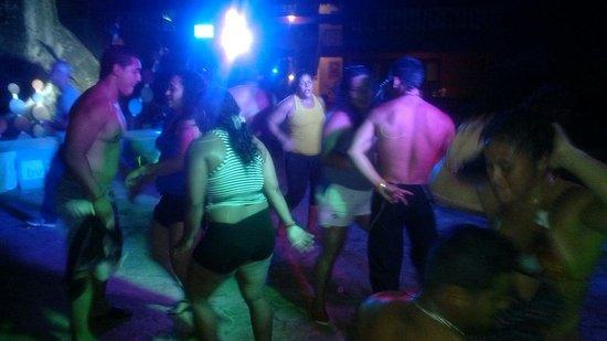 BelleVue Dominican Bay : Los venezolanos bailando