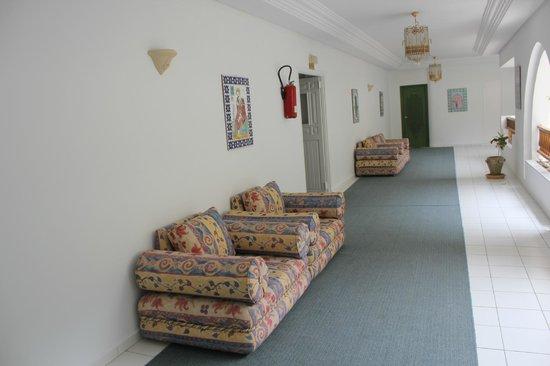 Al Jazira Beach & Spa : Couloirs de l'hôtel