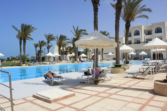 Al Jazira Beach & Spa : Première piscine où se passent les animations