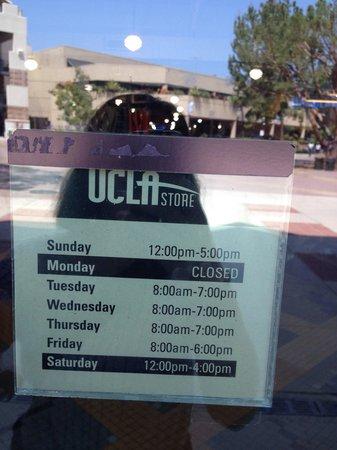 UCLA Store: お休みでした。。。
