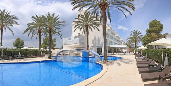 Main pool Aparthotel Playa de Muro Suites