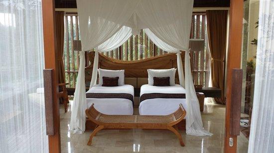 Komaneka at Tanggayuda : Bedroom