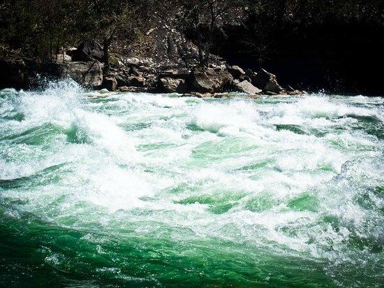 White Water Walk : Mean green rapids machine