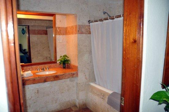 Hotel & Bungalows Mayaland: Bathroom