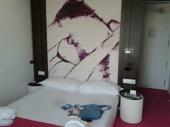 Room Mate Emma: Habitación