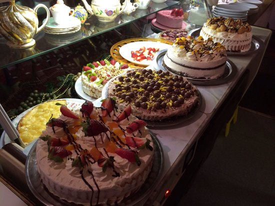 Raffles Coffee Lounge: My latest catering from raffles. Amazing cakes
