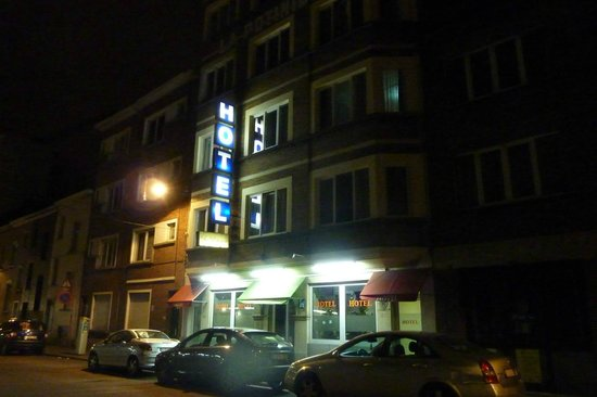 Hotel La Potiniere: Hotel facade