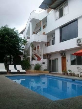 Hotel  La Casa de Judy: piscina area comun