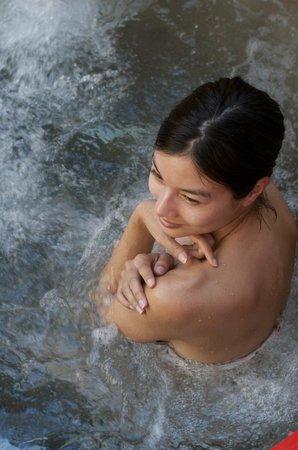 Ten Thousand Waves : hot water!