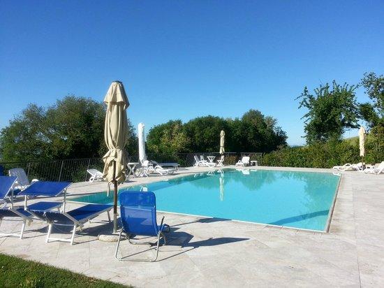 Relais Villa Sensano: Vista della piscina