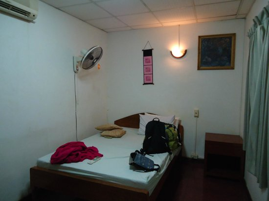 Malis Guesthouse: My room