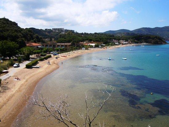 Le Acacie Hotel & Residence: Spiaggia di Naregno