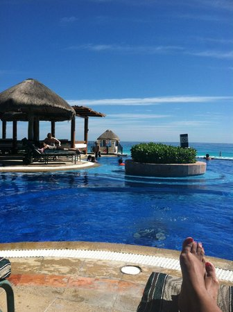 JW Marriott Cancun Resort & Spa: Infinity pool