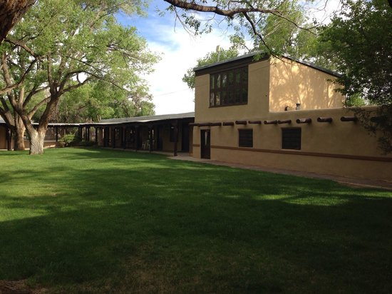 Sagebrush Inn & Suites: The courtyard