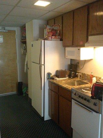 Dayton House Resort: little mini kitchen