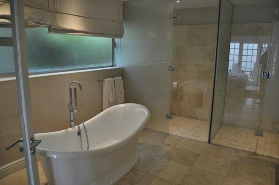 Glen Boutique Hotel & Spa: Bathroom