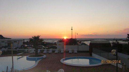 Morcavallo Hotel: vista piscina