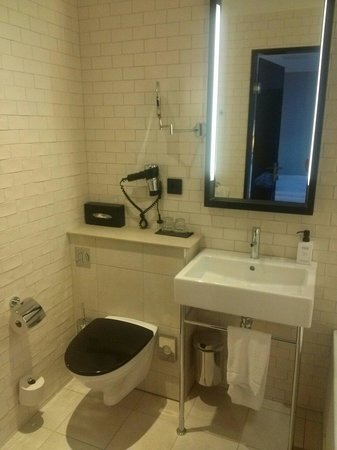 Grand Central by Scandic: Baño