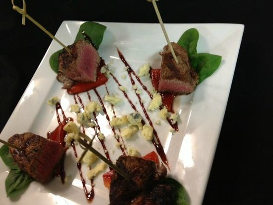 Tavern 27: Grilled Tenderloin with Rioja Redux and NH Bleu Cheese