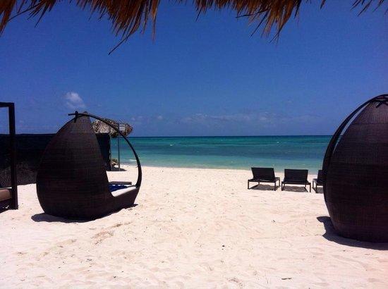 Royalton White Sands Resort: Diamond club beach