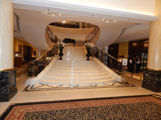 The Ritz-Carlton, Berlin: Front grand entry of hotel.
