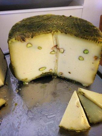 Hotel Borgo Pantano: pistachio cheese