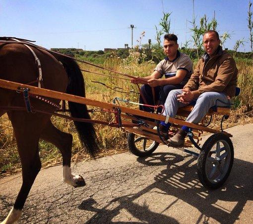 Hotel Borgo Pantano: guys riding around