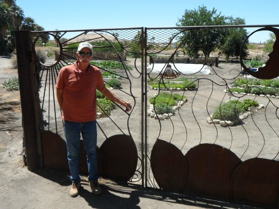 29 Palms Inn: Jim Kyle, creative artist used materials on the property to make this desert fence entrance gard