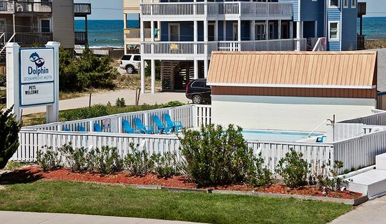 Dolphin Oceanfront Motel: Outdoor pool area