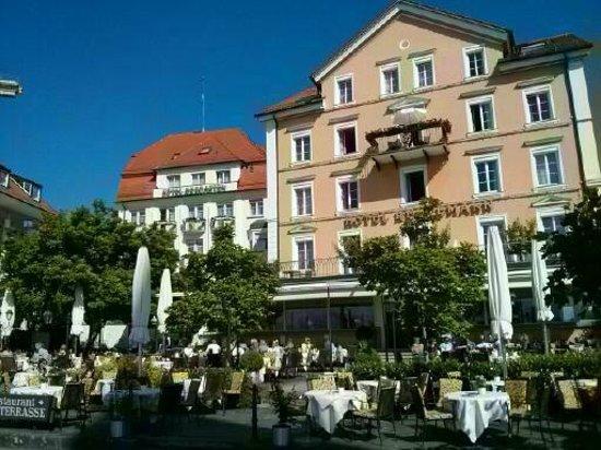 Hotel Reutemann und Seegarten: Terrasse vor dem Hotel Reutemann