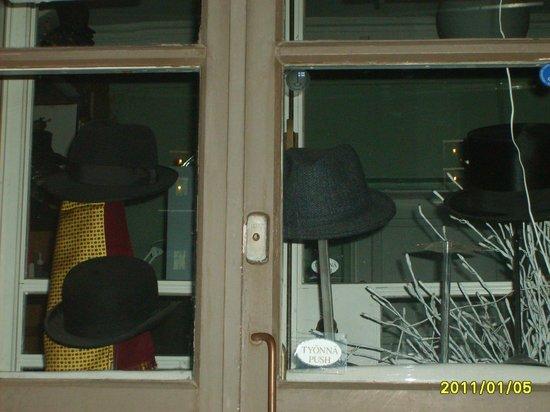 Original Sokos Hotel Presidentti : Потрясный шляпный салон на главной улице!