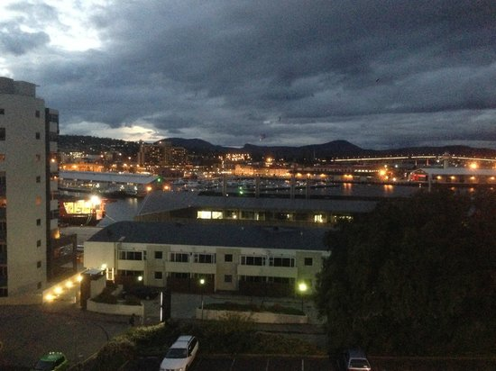 Lenna of Hobart: Evening view over the harbour