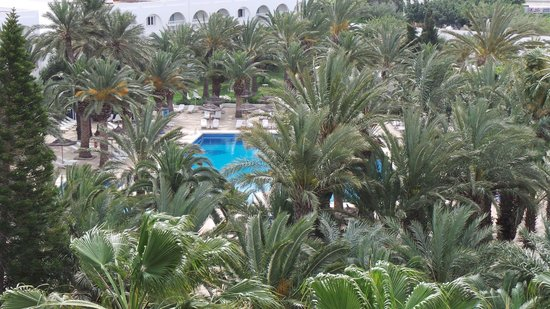 Hotel Kanta: A view of one of the pools from the 4th floor.