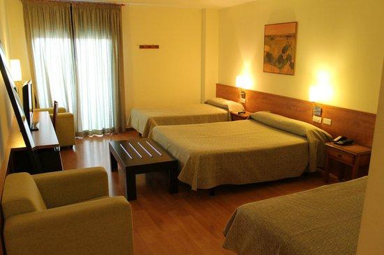 Hotel Flora Parc: Habitación familiar