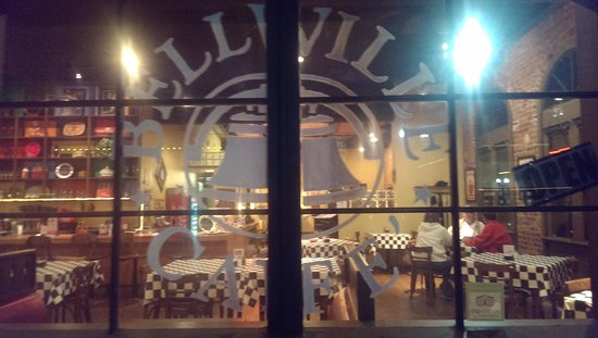 Bellville Cafe: Great Ambience