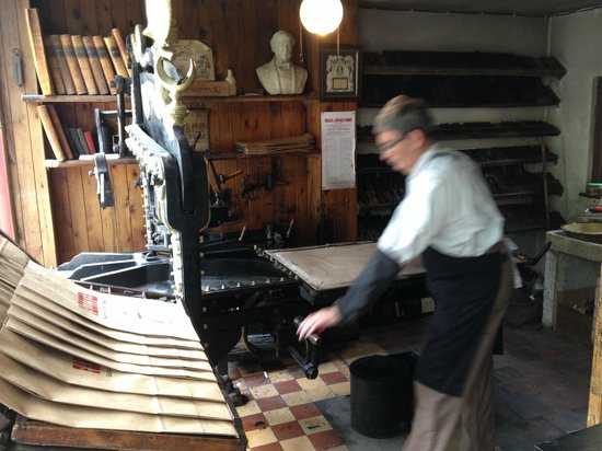 Blists Hill Victorian Town : Printers hard at work