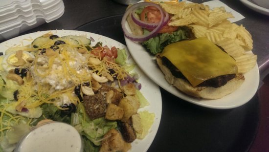 Bellville Cafe: Cheese Burger & Cashew Chicken Salad
