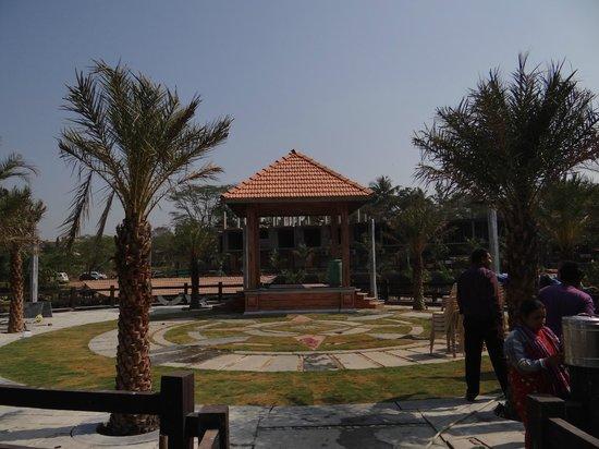 Mystica Resort: Party Island