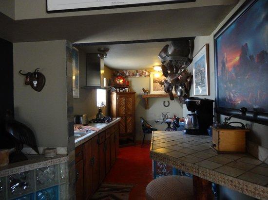Arizona Casita: Kitchen area