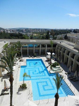 Dan Jerusalem Hotel: Pool Area from Upper Balcony - View