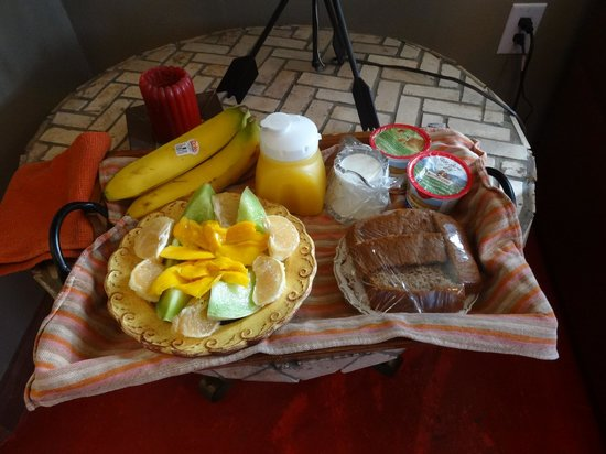Arizona Casita: Yummy breakfast delivered by Dan