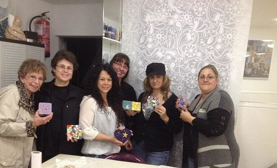 Mosaiccos: the lovely woman artist group from United States