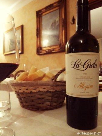 Bar Trattoria Al Galo: Ottima Cantina Vini