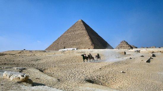 Plateau de Gizeh : У пирамид Гизы