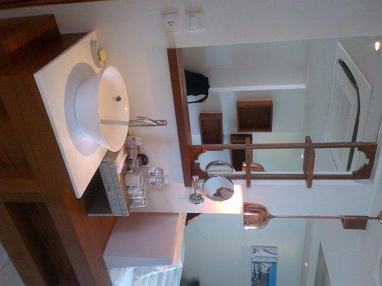 U Zenmaya Phuket : Bathroom