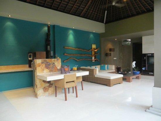 Ahimsa Beach Resort : Wohnbereich