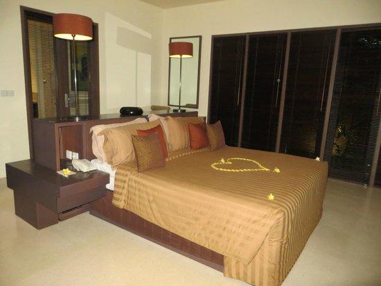 Ahimsa Beach Resort: Schlafbereich
