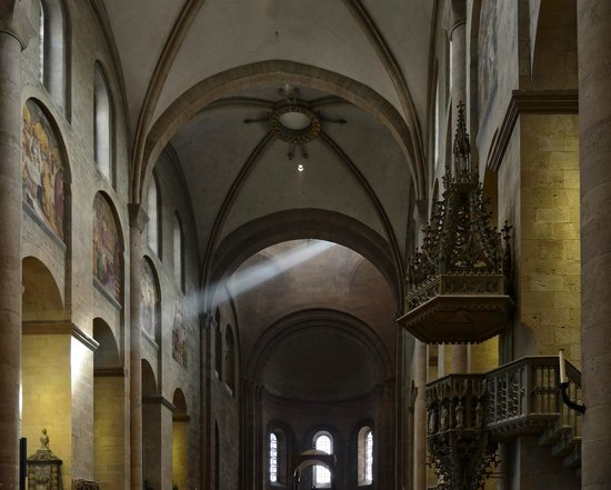 Mainzer Dom: Beam of Light