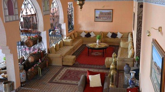 Hotel Le Fint: Foyer