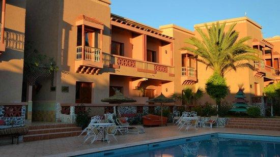 Hotel Le Fint: Zimmer rund um den Pool